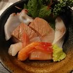 Izakayakappoutamura - 刺身 (ぶり2切れ・シメサバ・甘えび・タコ)
