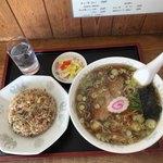 しょうふく - 料理写真:   半チャーハン350円              醤油ラーメン650円