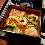玉田屋旅館 - 彩りも美しい「ちらし寿司」