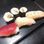 伊津美 - 料理写真:お手頃コースの最後のお寿司