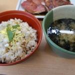 82948081 - アサリご飯と海苔汁