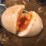 中華蕎麦うゑず - 味玉パカっと
