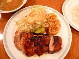 ゲンジ - グリルチキン定食 950円