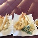 スパ&ゴルフリゾート久慈 - 2018年3月1日〜 3月末まで、メインは 「天ぷら」ランチ¥1600… 大好きなエビ天は  衣が サクサク♪ 計 13本食べました( ´ ▽ ` ) 他に  白身の魚、タラの芽?蓮根、鶏天 など。