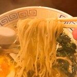 82958598 - 【201年03月】胡麻とニラの辛口ラーメン、麺アップ。