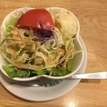 前田珈琲 - カレーのサラダ