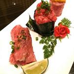 82962214 - 肉寿司
