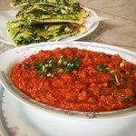 インド料理 ドルーガ - 料理写真:Aランチ。カレーもナンも追加料金でチェンジ。
