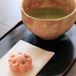 旧伊藤博文金沢別邸 - 料理写真:お抹茶と上菓子