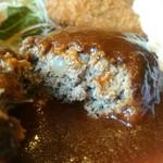 洋食Cucina - 肉感きっちりだけど優しい印象のハンバーグ