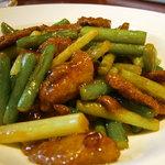 ChineseDining 龍の子 - 豚レバーとニンニク茎炒め アップ