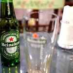 サンドウィッチ ルマン - ビールはハイネケン。