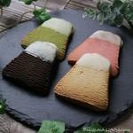 フジヤマクッキー - 料理写真:フジヤマクッキー・チョコがけ(各140円税込)