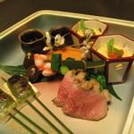82982423 - 師匠桜田に負けず劣らず 和食の神髄がすべて味わえる八寸 名残り~盛り~走りの食材で四季を表現