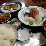 魚料理 ホノルル食堂 - お刺身定食 プラス 鯖の塩焼き