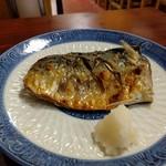 魚料理 ホノルル食堂 - 鯖の塩焼き