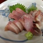魚料理 ホノルル食堂 - お刺身盛り合わせ 単品
