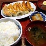 82985994 - 餃子定食