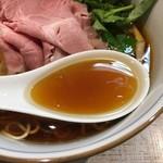 中華そば 四つ葉 - 四つ葉そばスープ