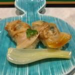 82989596 - 味わい深く食感が楽しい煮蛤の小寿し