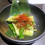 個室居酒屋×産直鮮魚 みくり - ピリ辛胡瓜のたたき¥490