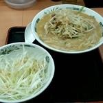 日高屋 - 料理写真:味噌ラーメンにネギトッピング!