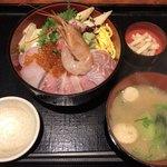 82994741 - 海鮮ちらし丼定食