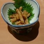 玉乃光酒蔵 梅田店 - お通しの生姜のなにか