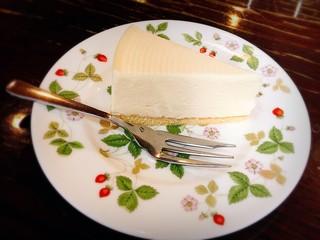ヴェルデ - 自家製レアチーズケーキ300円