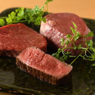 ヒレや赤身肉を塊で永遠に食べたい!誕生日には肉ケーキも!