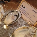 牡蠣とワインの店 アサドール・デル・マール - オイスタープラッター こちらは長崎の牡蠣