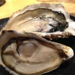 牡蠣とワインの店 アサドール・デル・マール - オイスタープラッター