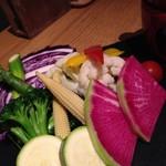 牡蠣とワインの店 アサドール・デル・マール - フレッシュなお野菜