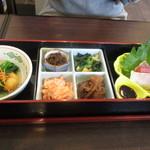 小さな食堂 江口家 - おまかせ定食1100円の重箱