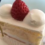 プレリアル成城 - ショートケーキ