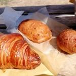 グリーン麦麦 - 料理写真:クロワッサン フランクドーナツ おからドーナツ