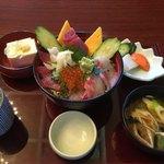 レストランルピナス - 極上海鮮丼 サラダバー付きで850円‼︎正に極上‼︎