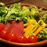 Nikubaruandobiagadembejita - 産地直送野菜のサラダはお代わり自由