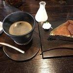 古民家カフェ鍵屋 - 鍵屋ブレンド珈琲と えごまチーズケーキ