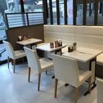 吉野家 - カフェ風の席 ※2階席もあり
