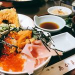 味どころ あかま - 料理写真:うに・イクラ丼 天ぷら付き