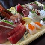わらべ菜魚洞 - お刺身盛り合わせ二人前 ボリュームたっぷり