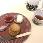 ビノワ カフェ - スコーンセット