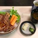 83027132 - ステーキ丼 松阪牛(上 3100円)