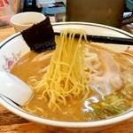 ハルピンラーメン - ハルピンラーメン@諏訪 ハルピンラーメンの麺