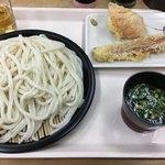 やま家 - 料理写真:細麺の大盛りってモッサリしてるね ガッツリ利用でもワンコインでお釣りがきた