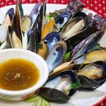 ニランカフェ - ムール貝のハーブ蒸し