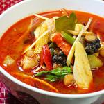 ニランカフェ - 野菜たっぷり鶏肉のスパイシースープ