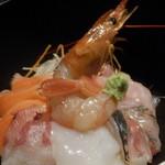 ビストロ ビンゴ - 海鮮丼UP