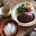 cafe soto - ハンバーグのセット(^ ^)